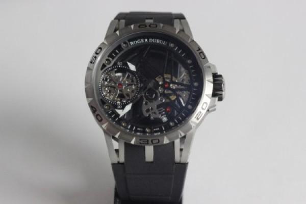 Réplica de relógio REPLICA DE RELOGIO ROGER DUBUIS